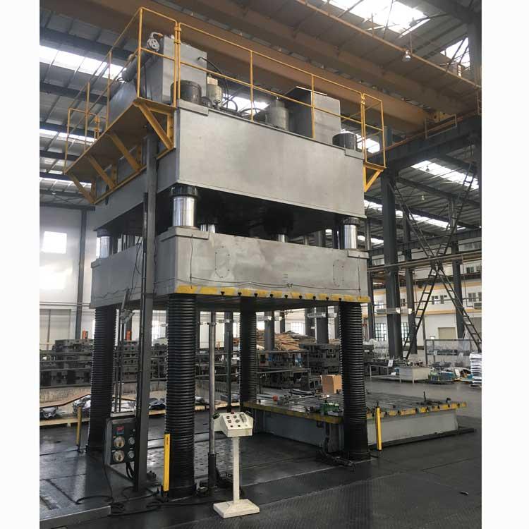 800吨大台面液压机