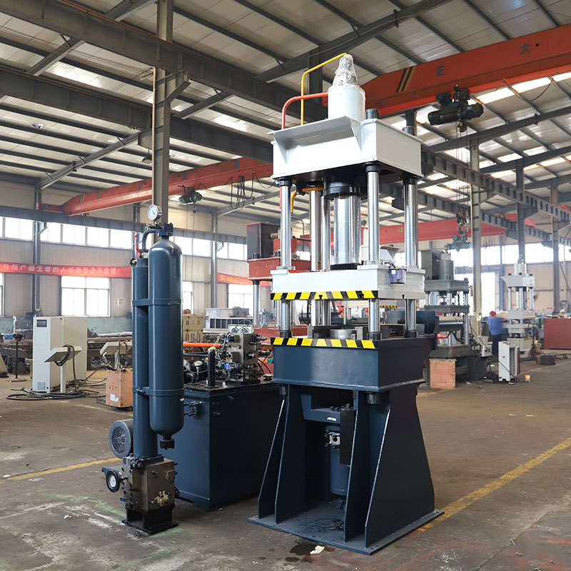 200吨立式压铸机