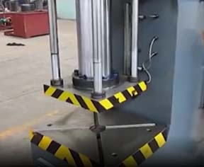100t单臂液压机运转视频