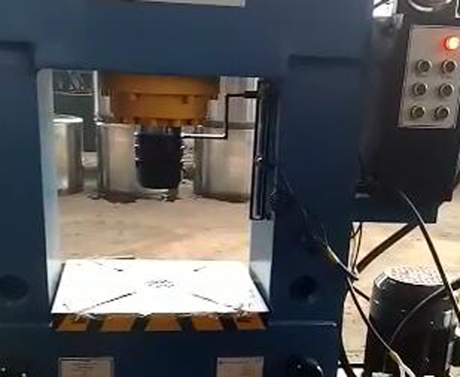龙门180T液压机现场