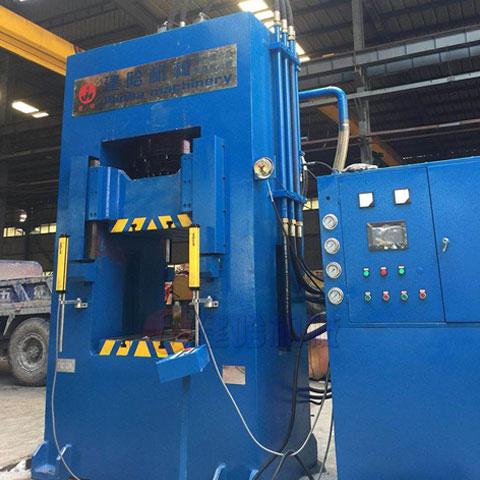 315吨框式液压机